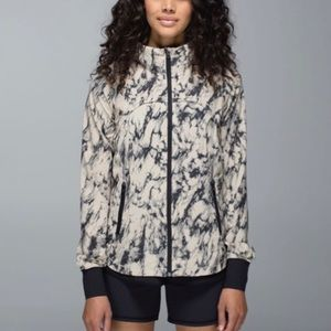 Lululemon bring back the track Running Jacket 4